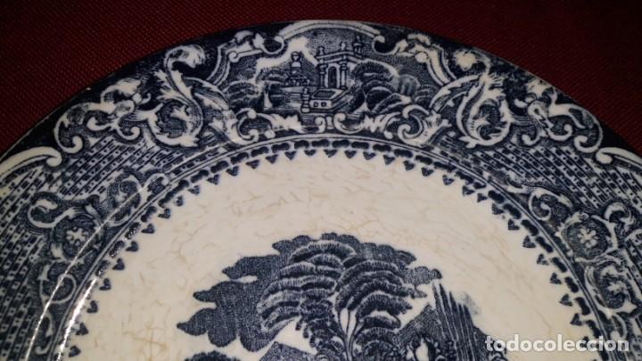 Antigüedades: PLATO DE PORCELANA DECORADO - Foto 4 - 155133454