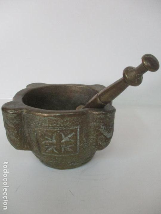 Antigüedades: Antigua Mortero - Almirez de Bronce, Cincelado - con Mano - Peso Total 12 Kg - S. XIX - Foto 2 - 155146374