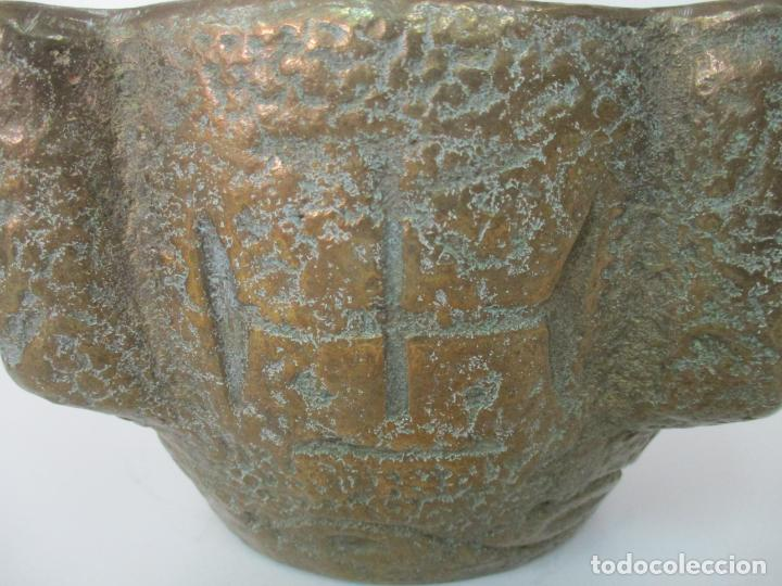 Antigüedades: Antigua Mortero - Almirez de Bronce, Cincelado - con Mano - Peso Total 12 Kg - S. XIX - Foto 3 - 155146374
