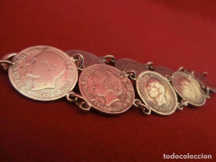 Antigüedades: Pulsera de plata con monedas. - Foto 2 - 155151774