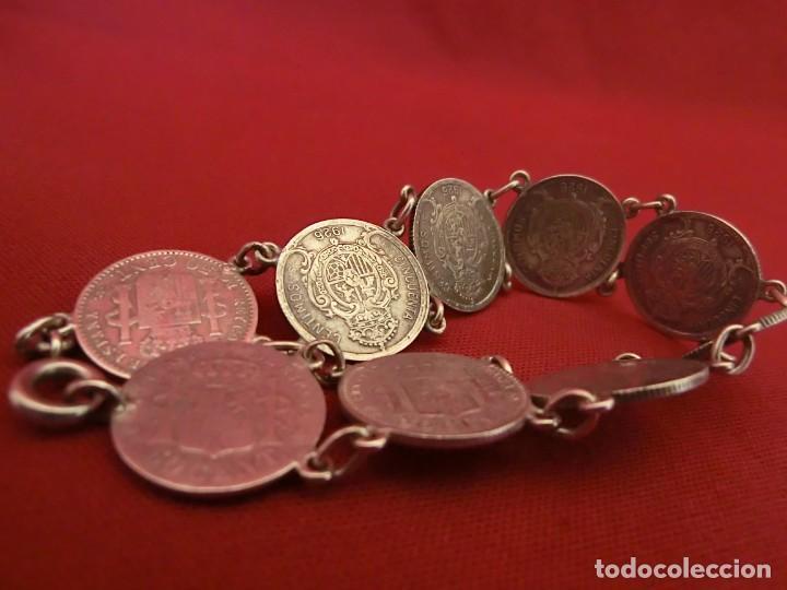 Antigüedades: Pulsera de plata con monedas. - Foto 3 - 155151774