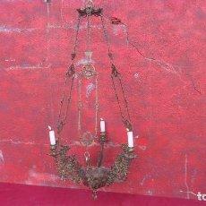 Antigüedades: PRECIOSA LAMPARA ANTIGUA VOTIVA,SIGLO XIX,CADENAS QUE SE DESPLAZAN. Lote 155160770