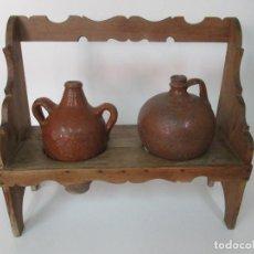 Antigüedades: ANTIGUA TINAJA, JARRA - CERÁMICA CATALANA - CON SOPORTE, ESTANTERÍA DE MADERA DE PINO - S. XIX. Lote 171569120