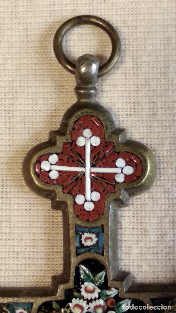 Antigüedades: Antigua y artística Cruz de micro mosaico (cristal pequeño tamaño), italiana siglo XIX. - Foto 4 - 155253398