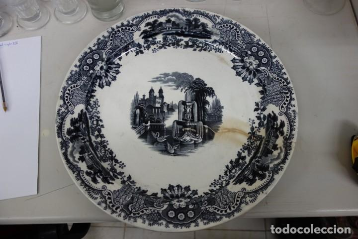 FUENTE DE CERÁMICA DE LA CARTUJA PICKMAN DEL SIGLO XIX (Antigüedades - Porcelanas y Cerámicas - La Cartuja Pickman)