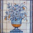 Antigüedades: JARRÓN CON FLORES AZULES. Lote 155307930