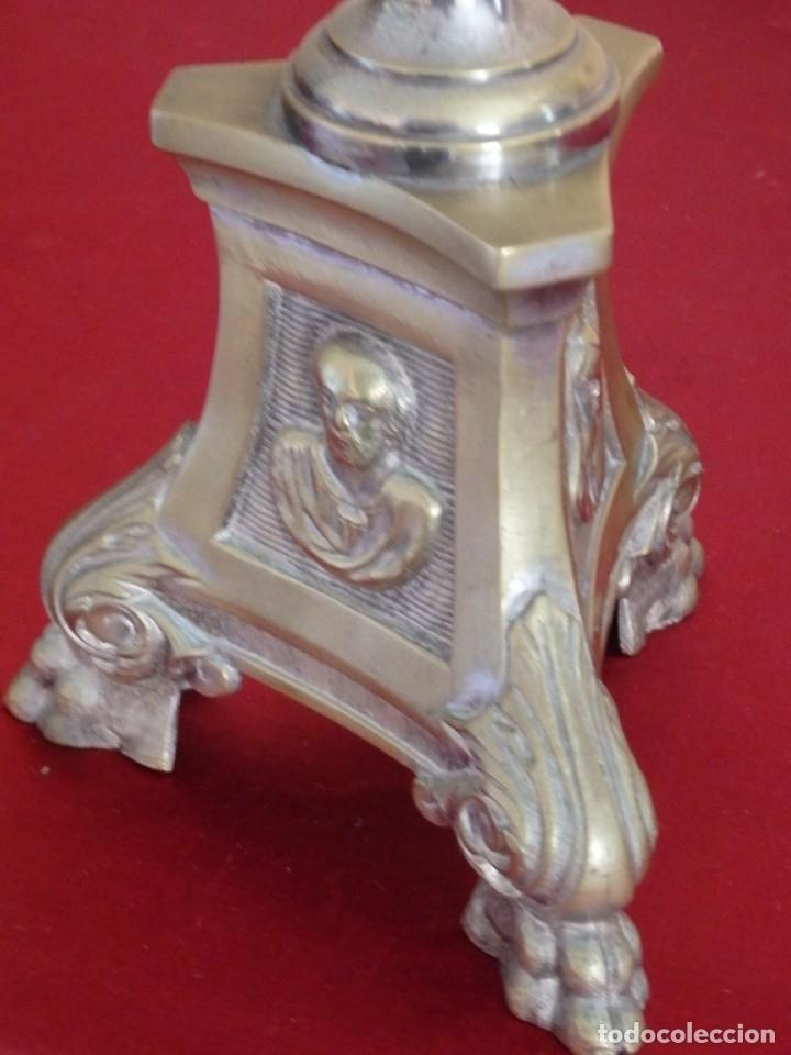 Antigüedades: Cruz de altar en bronce dorado. 57 cm. Hacia 1900. - Foto 10 - 155314874