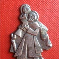 Antigüedades: SAN CRISTÓBAL FIGURA SILUETA METÁLICA / 20 X 35 MM. Lote 155319653
