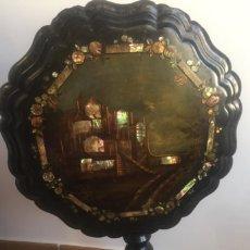 Antigüedades: MARAVILLOSA MESA VELADOR CON NÁCAR Y MADREPERLA SIGLO XIX . Lote 155363526