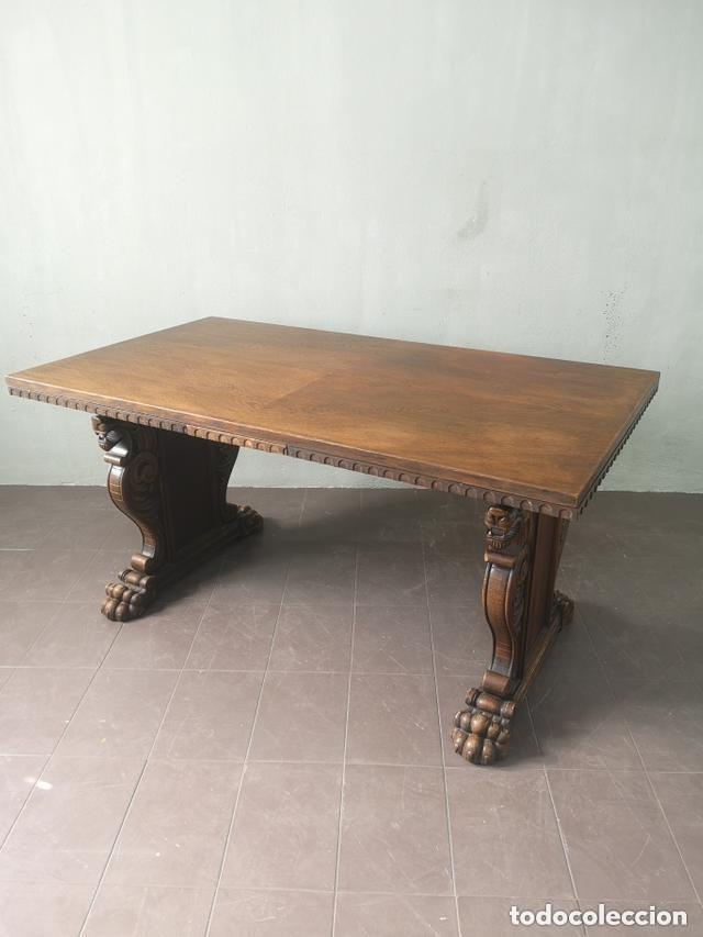 Gran mesa de comedor extensible estilo neogotic - Verkauft ...