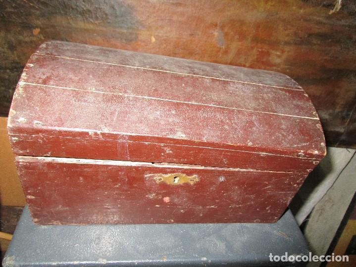 Antigüedades: arca madera muy antigua pequeña ideal para guardar antiguedades etc - Foto 4 - 155374938