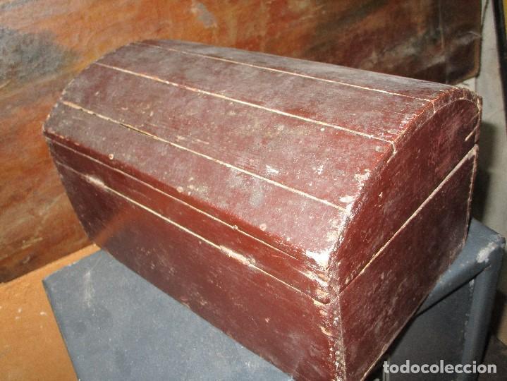 Antigüedades: arca madera muy antigua pequeña ideal para guardar antiguedades etc - Foto 13 - 155374938