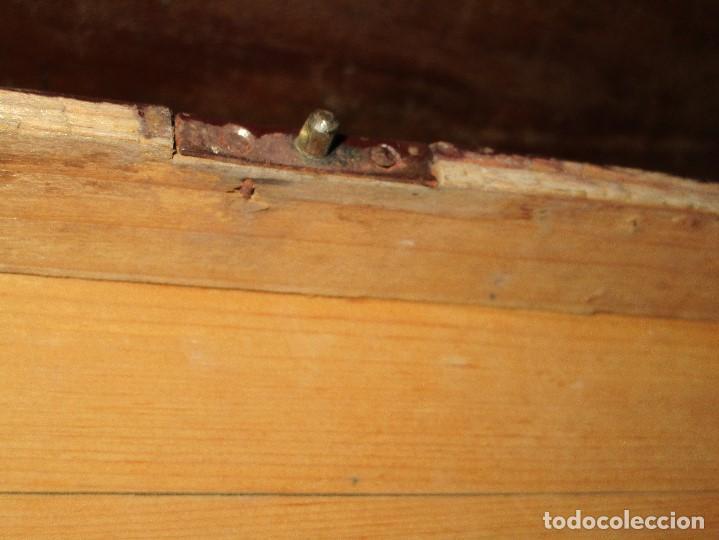 Antigüedades: arca madera muy antigua pequeña ideal para guardar antiguedades etc - Foto 16 - 155374938