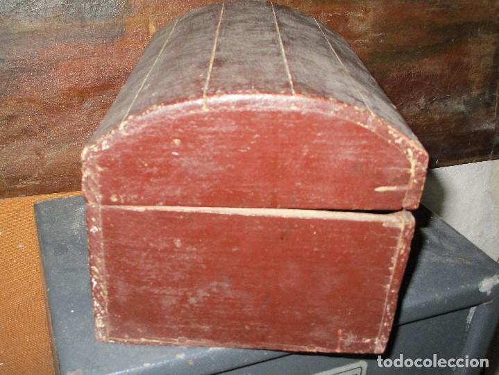 Antigüedades: arca madera muy antigua pequeña ideal para guardar antiguedades etc - Foto 17 - 155374938