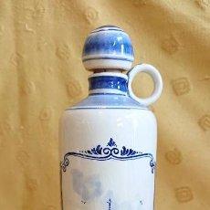 Antigüedades: PRECIOSA BOTELLA HOLANDESA DELFT. Lote 155410630