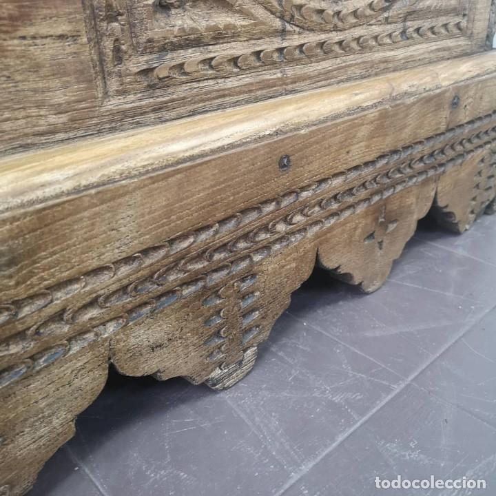 Antigüedades: ANTIGUO GRAN BAUL DE 6 TABLEROS ENTEROS DE OLMO Y HERRAJES DE FORJA NORTE DE ESPAÑA S XVIII - Foto 6 - 155446342