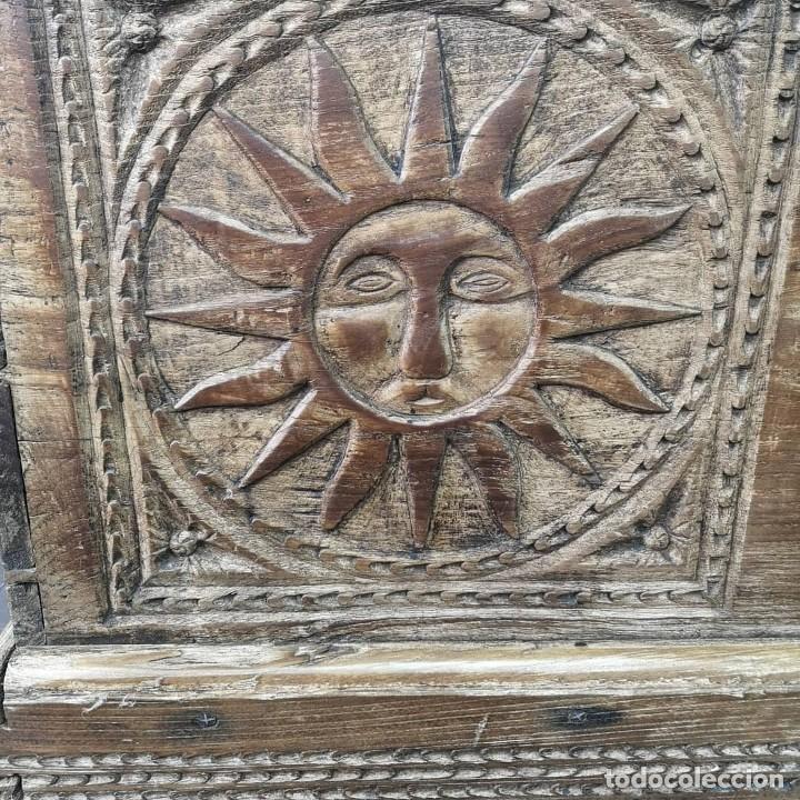 Antigüedades: ANTIGUO GRAN BAUL DE 6 TABLEROS ENTEROS DE OLMO Y HERRAJES DE FORJA NORTE DE ESPAÑA S XVIII - Foto 7 - 155446342
