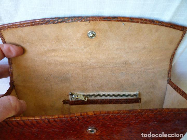 Antigüedades: CARTERA BOLSO DE MANO DE PIEL DE SERPIENTE EN MUY BUEN ESTADO - Foto 5 - 155459054