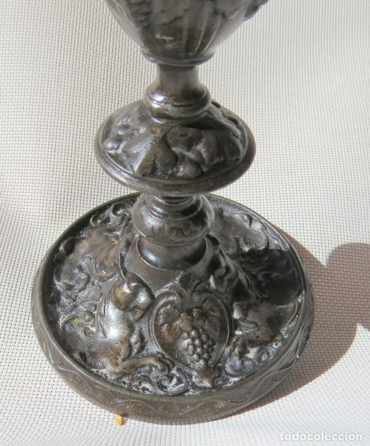 Antigüedades: CANDELABRO DE FUNDICION HANAU ALEMANIA 1890-1899 - Foto 2 - 155490302