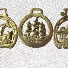 Antigüedades: TRES ADORNOS PARA CABALLOS, ARREOS. Lote 155492786