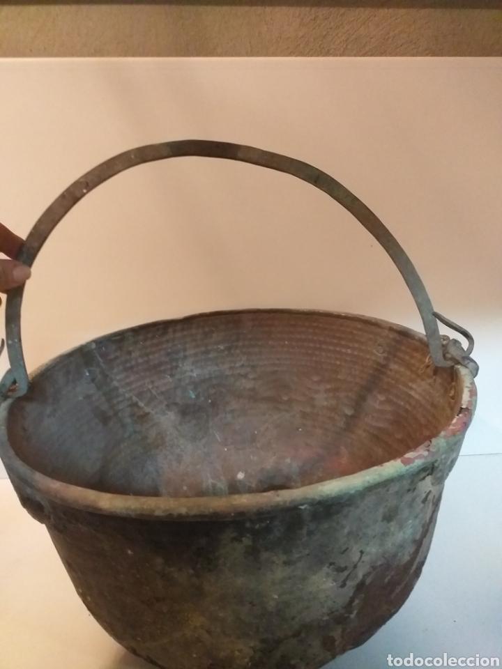 Antigüedades: Antiquísimo caldero gallego de cobre con asa, grande, para hacer queimada. Antiguo. Usado. Siglo XIX - Foto 2 - 155506233