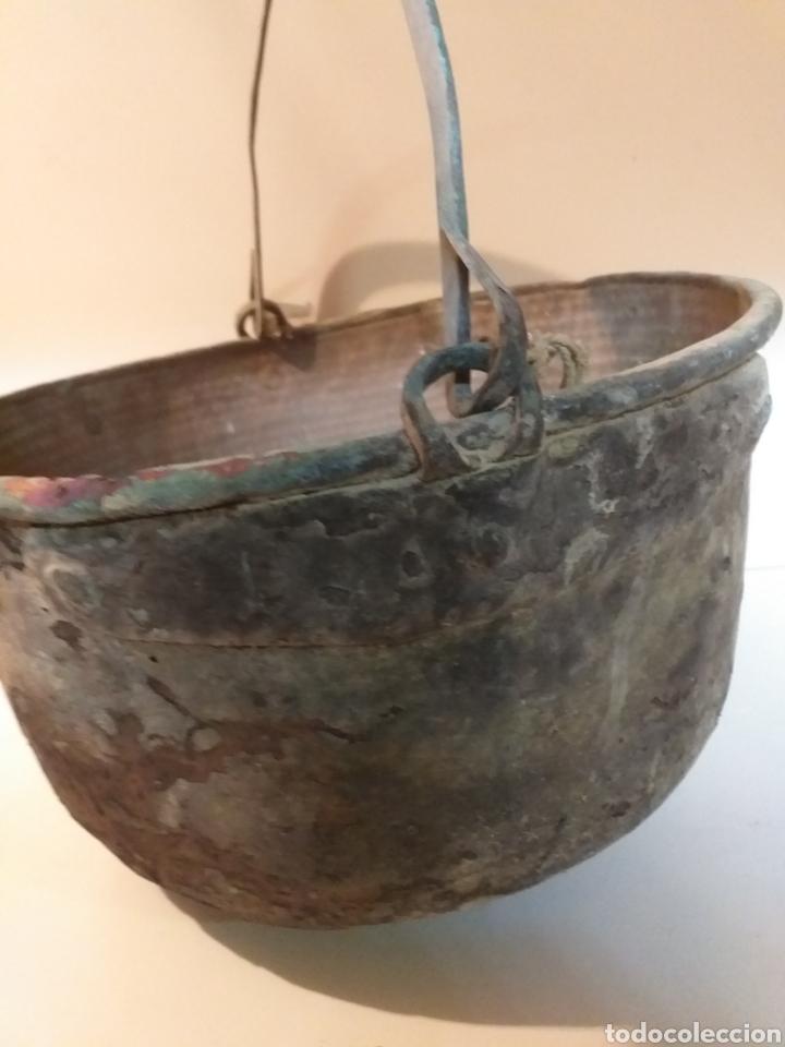 Antigüedades: Antiquísimo caldero gallego de cobre con asa, grande, para hacer queimada. Antiguo. Usado. Siglo XIX - Foto 3 - 155506233