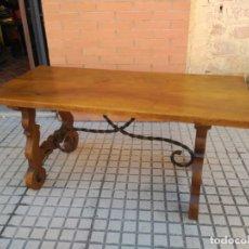 Antigüedades: ANTIGUA MESA DE SAN ANTONIO, CON PATAS DE LIRA. Lote 155518314