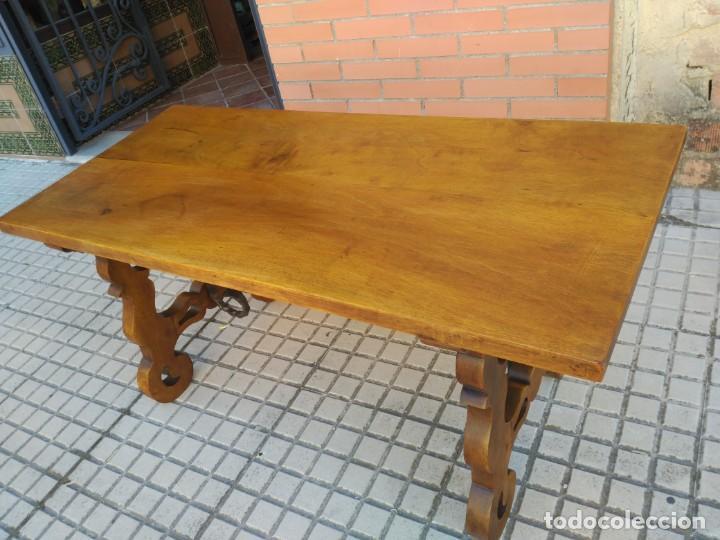 Antigüedades: Antigua mesa de San Antonio, con patas de lira - Foto 5 - 155518314
