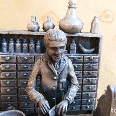 Antigüedades: IMPRESIONANTE ANTIGUA MAQUETA DE LABORATORIOS ABBOT EN METAL. Lote 155563634