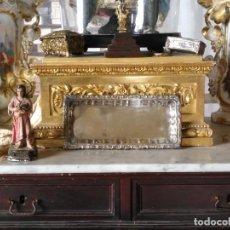 Antigüedades: BANDEJA METAL PLATEADO PARA ALTAR DE IGLESIA CALIZ PATENA ETC. RECTANGULAR BAÑO PLATA LEER. Lote 155590414