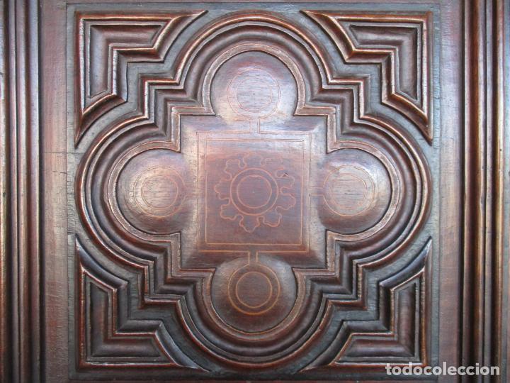 Antigüedades: Armario Empotrado - Barroco Catalán - Madera de Nogal - Puertas con Marquetería en 2 Caras -S. XVIII - Foto 12 - 155594662