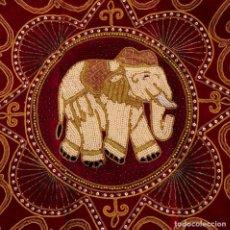 Antigüedades: FUNDA DE COJÍN - TAPIZ ELEFANTE THAILANDES BORDADO A MANO - 42 X 42 CM. Lote 155633110