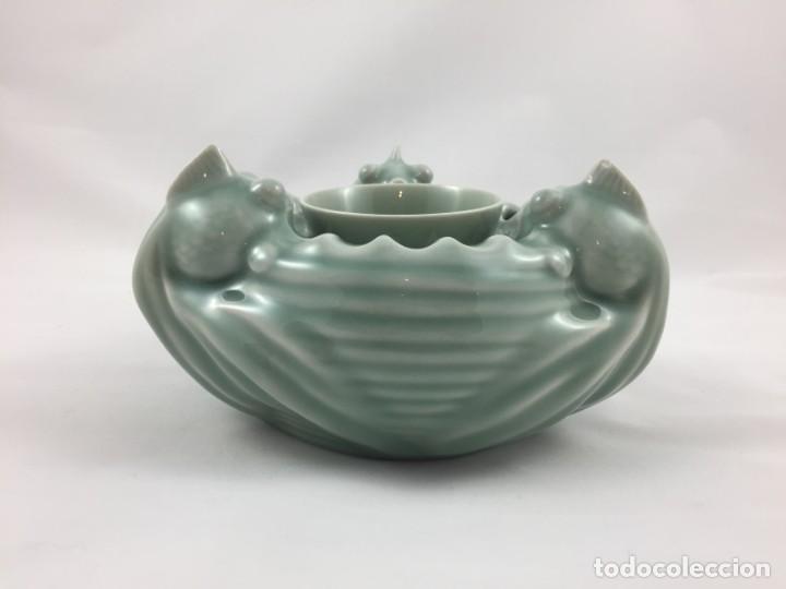 FIGURA PORCELANA CELADON CHINA (Antigüedades - Porcelanas y Cerámicas - China)