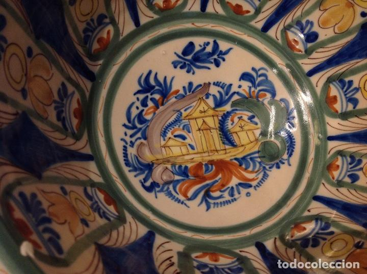 RIBELLA FONDA EN CERÀMICA D'ONDA O MANISES, S. XIX (Antigüedades - Porcelanas y Cerámicas - Manises)