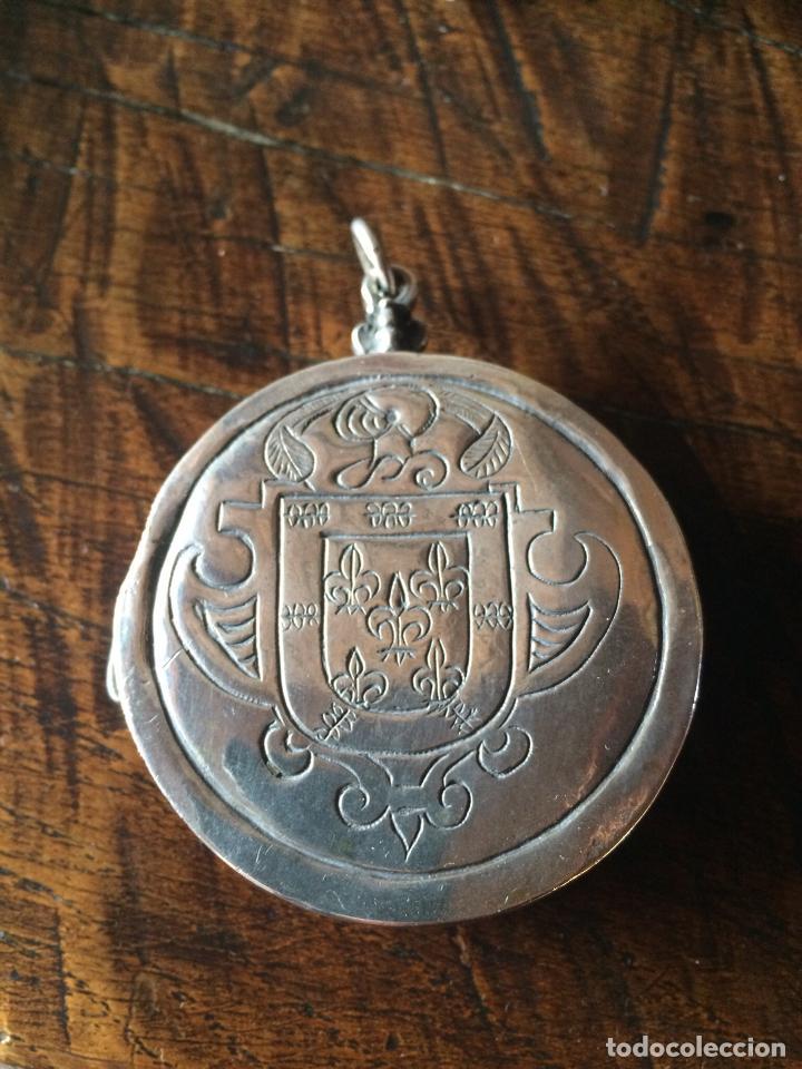 HOSTIARIO DE PLATA ESPAÑOLA SIGLO XVII (Antigüedades - Platería - Plata de Ley Antigua)