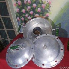 Antigüedades: ANTIGUA BIZCOCHERA DE ALUMINIO. Lote 155703125