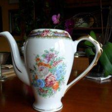 Antigüedades: CAFETERA DE PORCELANA DE LIMOGES ANTIGUA. Lote 155707842