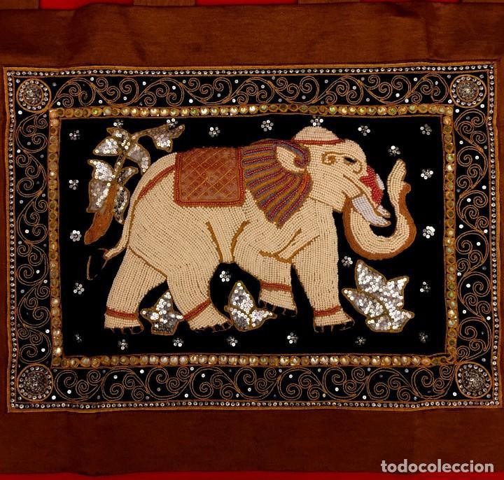 Antigüedades: TAPIZ THAILANDES CON ELEFANTE Y BORDADOS A MANO - 72 X 73 CM - Foto 6 - 155708422