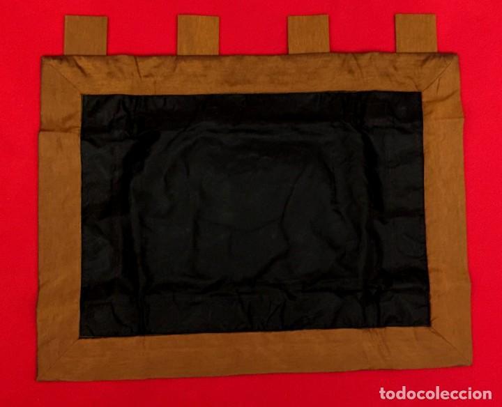 Antigüedades: TAPIZ THAILANDES CON ELEFANTE Y BORDADOS A MANO - 72 X 73 CM - Foto 8 - 155708422