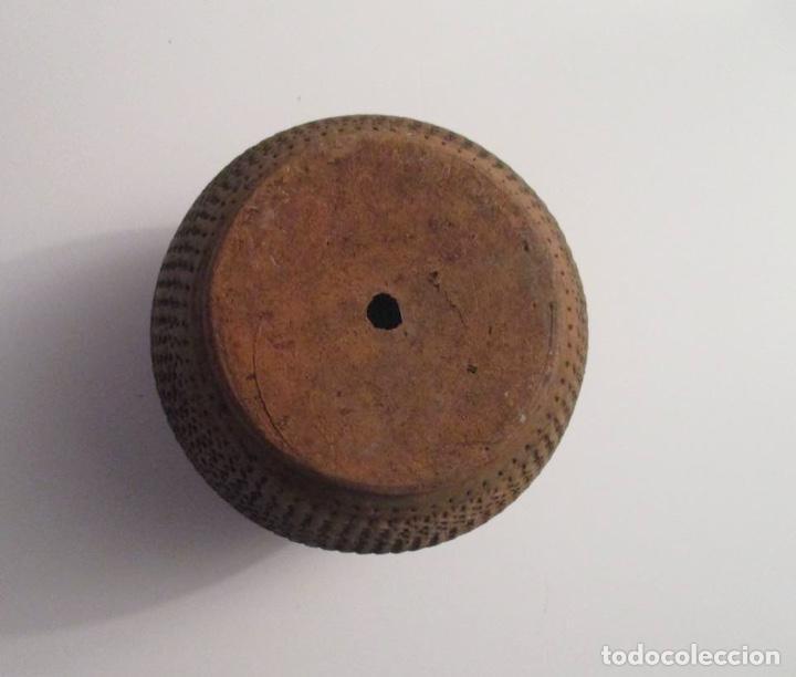 Antigüedades: ANTIGUO MACETERO DE BARRO LABRADO - Foto 4 - 155709250