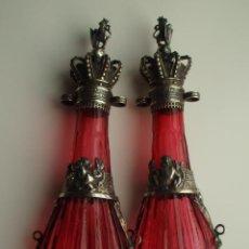 Antigüedades: PAREJA DE LICORERAS DE CARRUAJE. VIDRIO SOPLADO. TAPONES Y GUARNICIONES DE PLATA. SIGLO XIX. BDLL. Lote 155709878