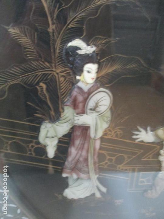 Antigüedades: Curiosa Mesa de Centro, China - Abatible - Motivos Orientales - Madera Laca Negra - Foto 3 - 155742514