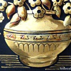 Antigüedades: DAMASQUINADO EN ALTO RELIEVE DEL AÑO 1987. Lote 155744818