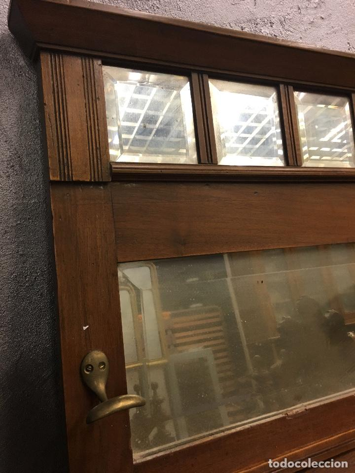Antigüedades: Perchero de pared nogal con espejos biselados - Foto 3 - 155747322