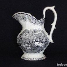 Antigüedades: GRAN JARRA DE LAVABO DE CERAMICA DE CARTAGENA, ESTAMPADA CON ¨SUDAMERICANOS REJONEANDO UN TORO¨. . Lote 155747506