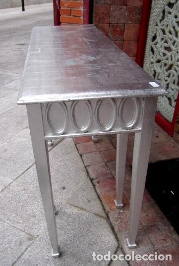 Antigüedades: Consola de madera tallada en las 4 caras y acabada con pan de plata - Foto 4 - 155767374