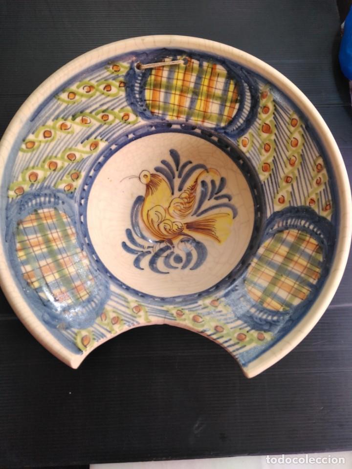 TALAVERA ANTIGUA VACÍA DE BARBERO SIGLO XIX (Antigüedades - Porcelanas y Cerámicas - Talavera)