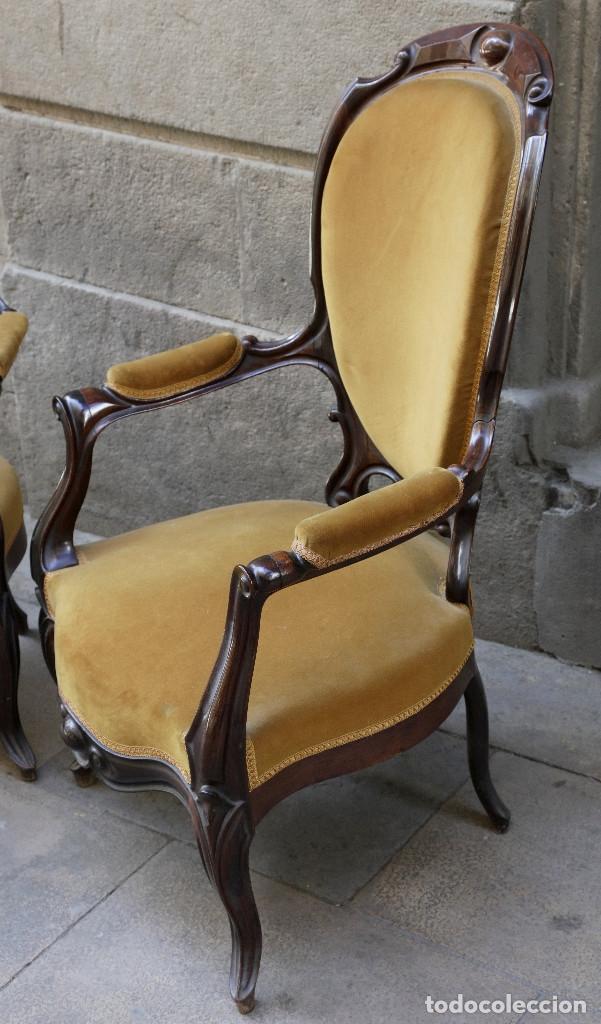 Antigüedades: pareja de sillones isabelinos de caoba, 1870 aprox. En bastante buen estado, ver fotos. - Foto 2 - 155775302