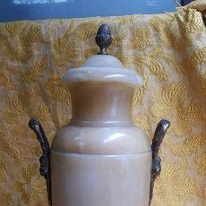 Antigüedades: JARRÓN DE ALABASTRO ANTIGUO. Lote 155776589