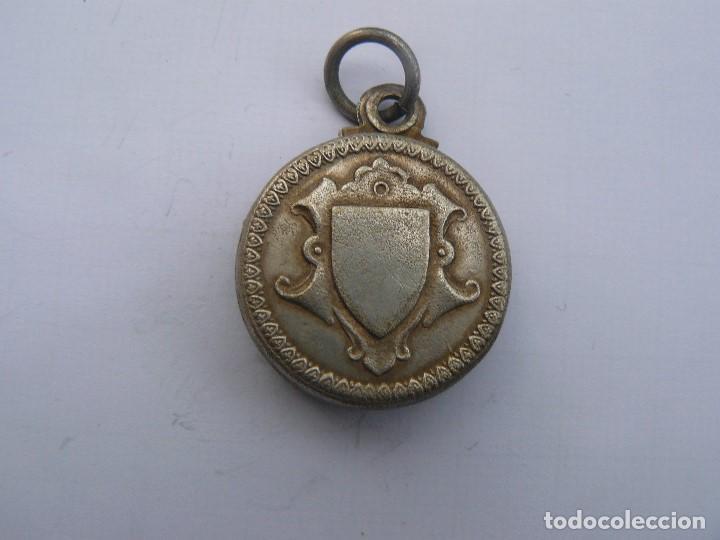 Antigüedades: MEDALLA PORTA RETRATOS O RELIQUIA - Foto 2 - 155789258